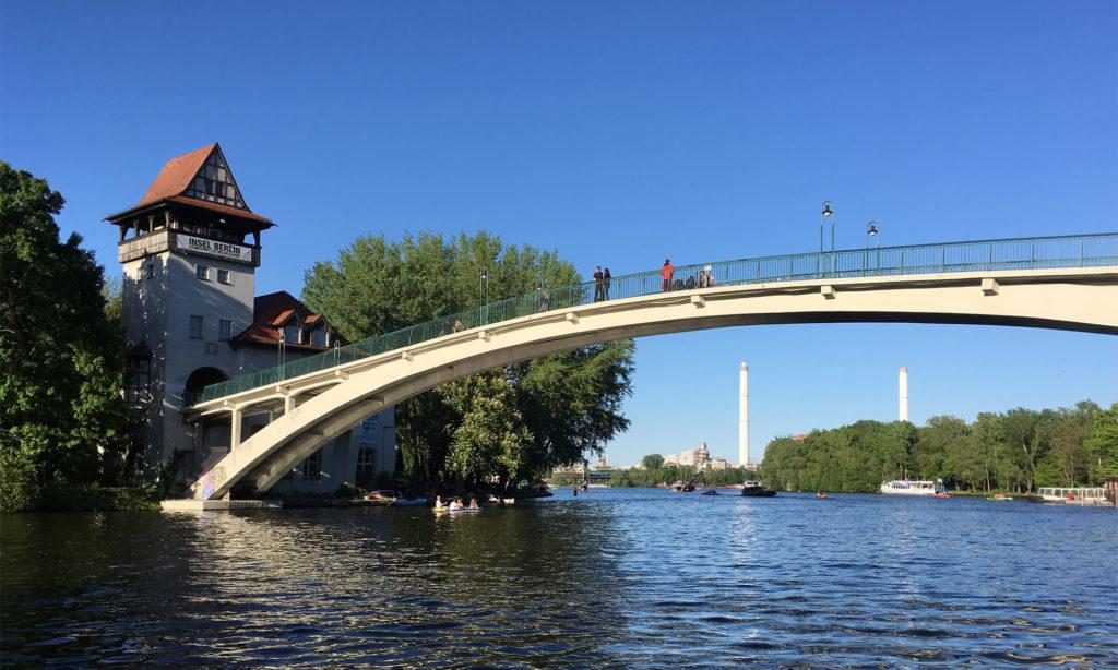 Insel der Jugend und Abteibrücke